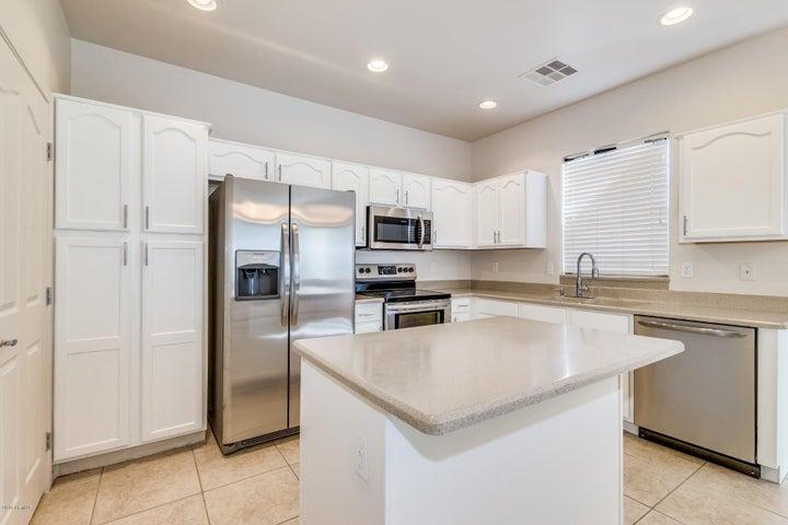 8967 W BREMEN Street, Peoria, AZ 85382