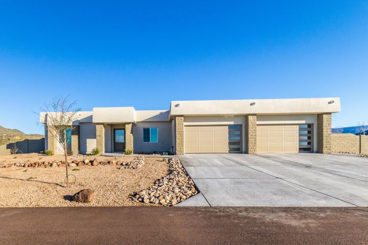 618 W Filoree Lane, New River, AZ 85087