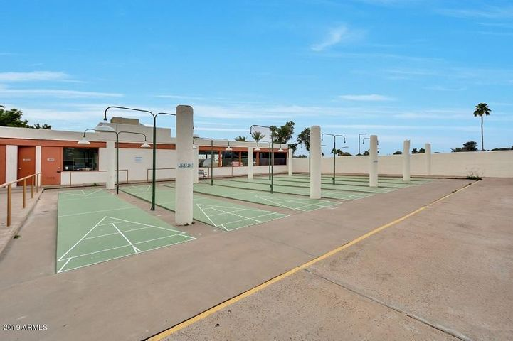 25254 S PAPAGO Place, Sun Lakes, AZ 85248