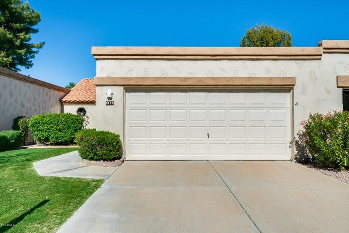 9128 W TOPEKA Drive, Peoria, AZ 85382