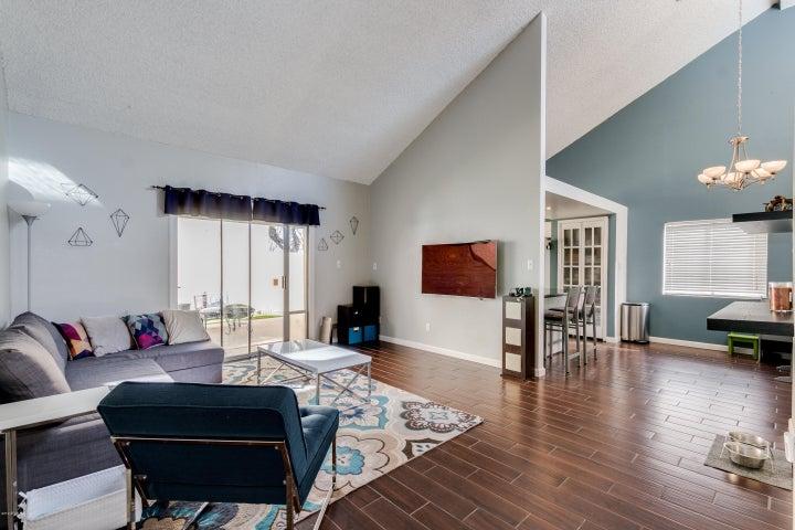2108 W CLAREMONT Street, Phoenix, AZ 85015