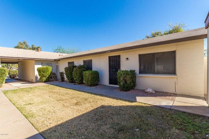 805 W LAGUNA Drive, Tempe, AZ 85282
