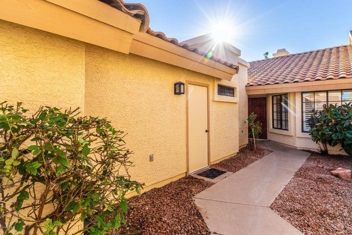 2335 W MISSION Drive, Chandler, AZ 85224