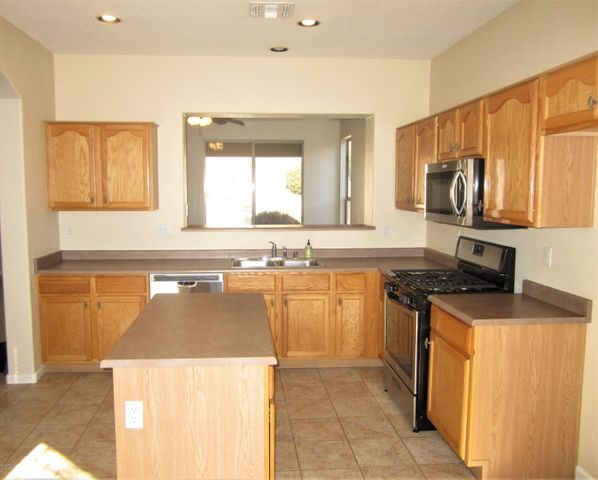 1806 W WINDSONG Drive, Phoenix, AZ 85045