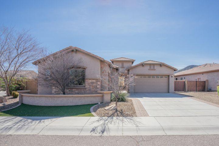 5529 W DESPERADO Way, Phoenix, AZ 85083