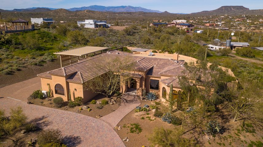2530 W WOLFTRAP Road, New River, AZ 85087