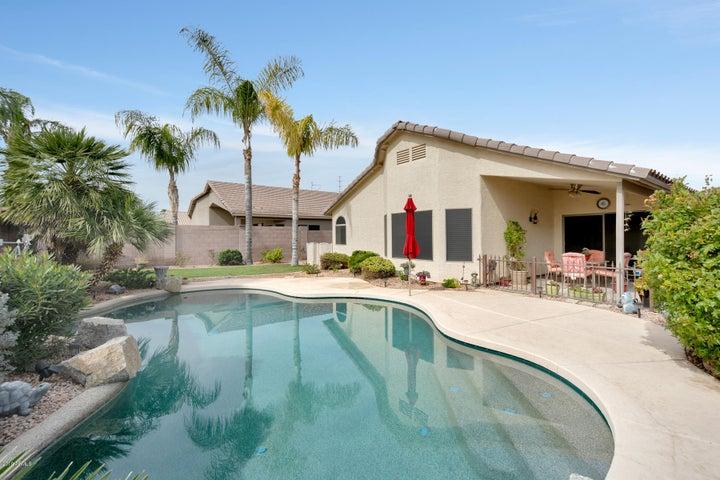 3931 E VAUGHN Avenue, Gilbert, AZ 85234