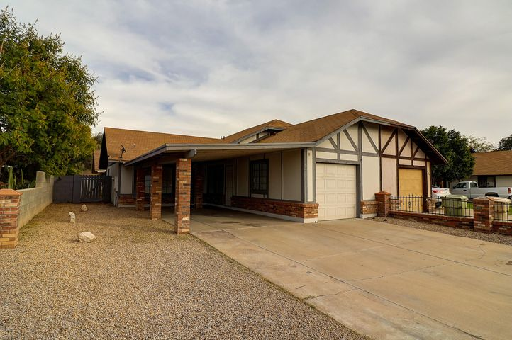 5713 N 68TH Avenue, Glendale, AZ 85303