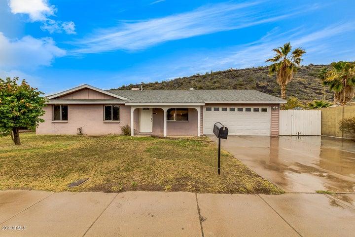 1636 W CALAVAR Road, Phoenix, AZ 85023