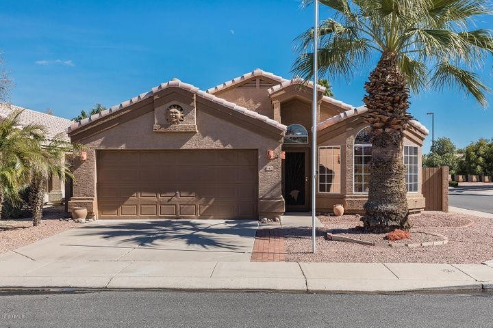945 S SAILFISH Drive, Gilbert, AZ 85233