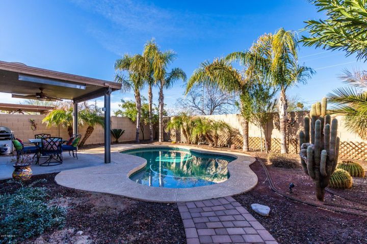 7322 S SUNSET Way, Buckeye, AZ 85326