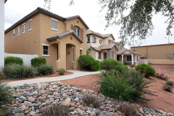 61 E PALOMINO Drive, Gilbert, AZ 85296