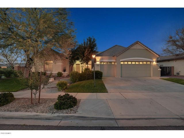 2144 E CANYON Place, Chandler, AZ 85249