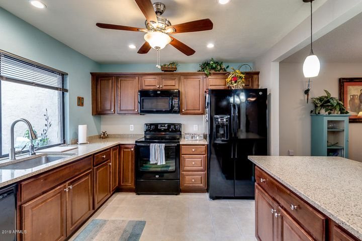 The home chef will love the spacious kitchen!