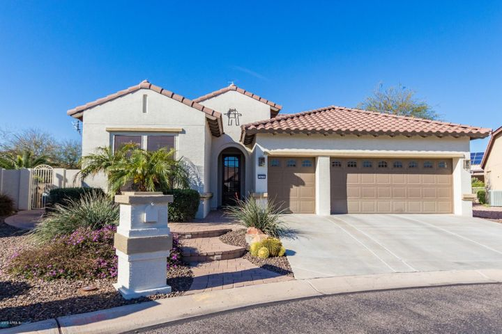 Gorgeous Home with private pool in Pebblecreek! Located in a quiet cul de sac.