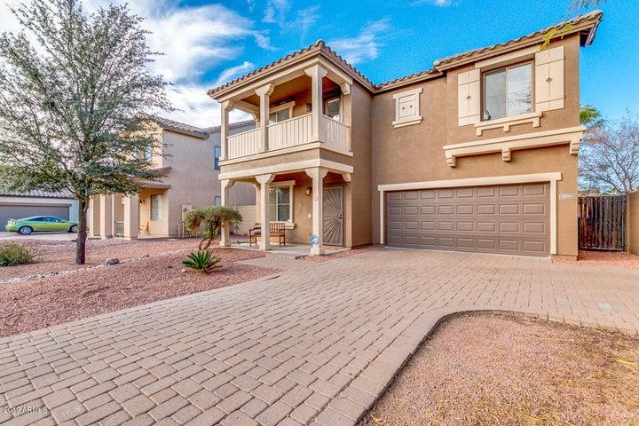 1904 S FALCON Drive, Gilbert, AZ 85295