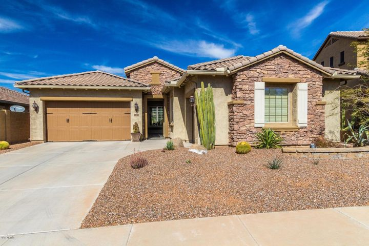 2016 W CHIMNEY ROCK Road, Phoenix, AZ 85085