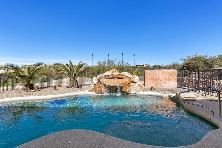 PebbleTec Pool with Water Feature