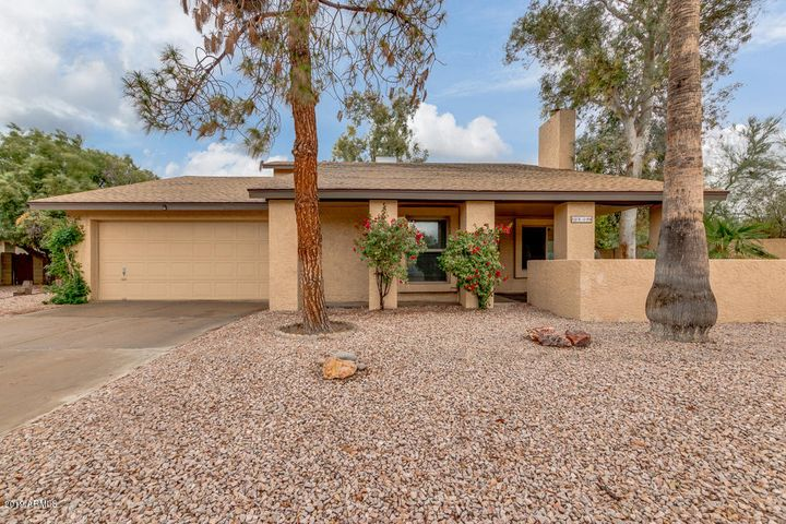 1809 S STANDAGE Circle, Mesa, AZ 85202