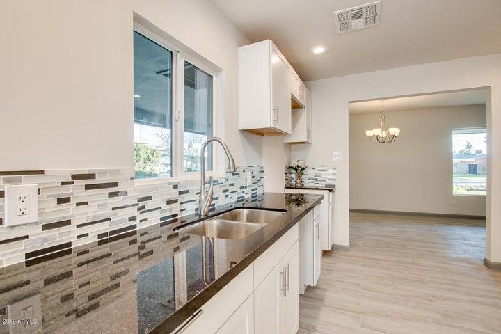 4640 E Edgemont Avenue, Phoenix, AZ 85008