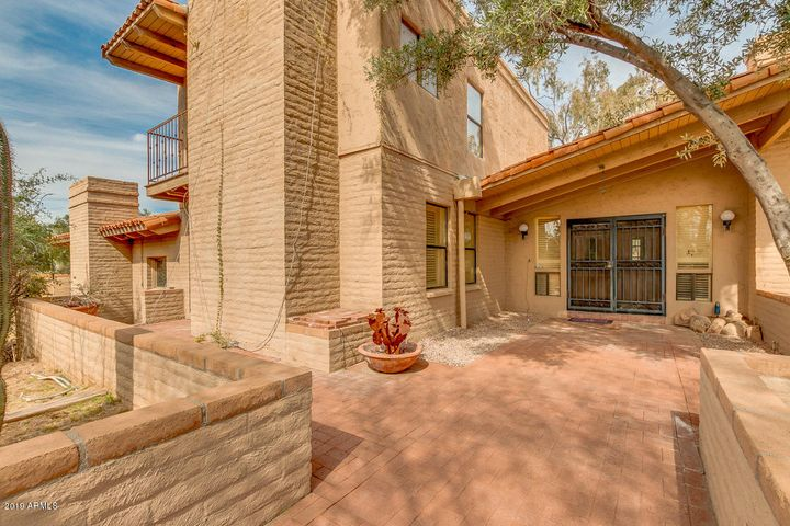 Scottsdale Homes with Casitas — Top Scottsdale Realtor