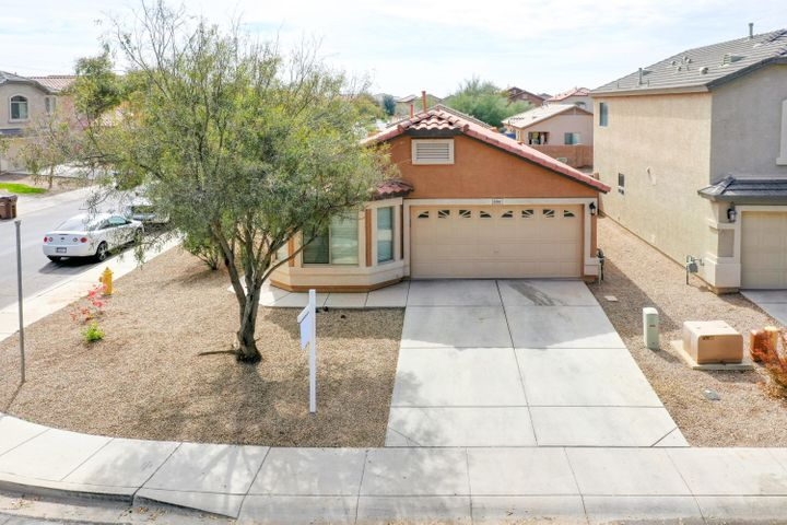 39961 W HAYDEN Drive, Maricopa, AZ 85138