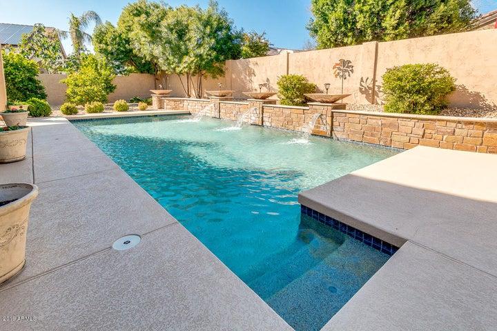 7020 W FIREBIRD Drive, Glendale, AZ 85308