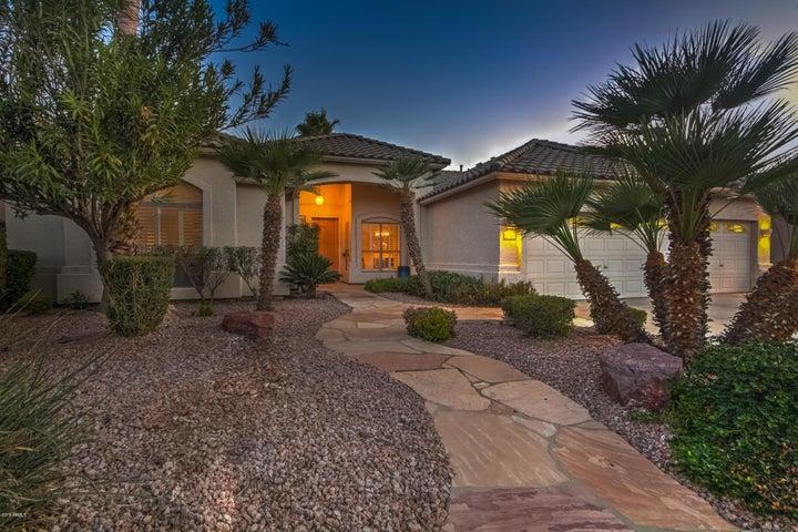 945 W BEECHNUT Drive, Chandler, AZ 85248