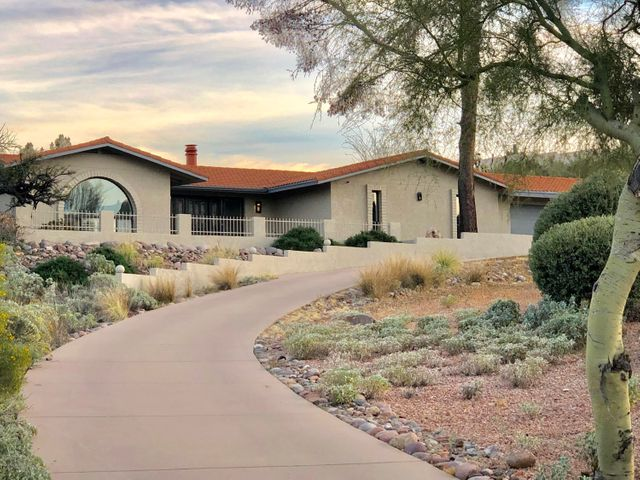 A true estate feel with large circular driveway