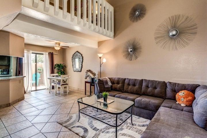 4240 N Longview Avenue, A11, Phoenix, AZ 85014
