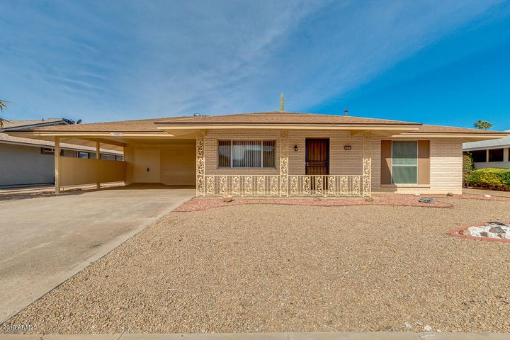 10021 W Prairie Hills Circle, Sun City, AZ 85351