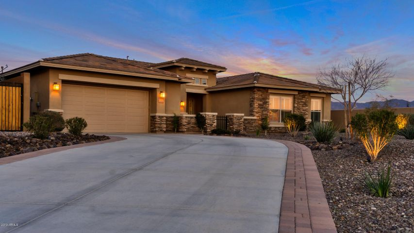 12115 S 180th Drive, Goodyear, AZ 85338