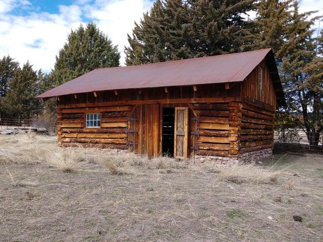 20 by 30 log barn