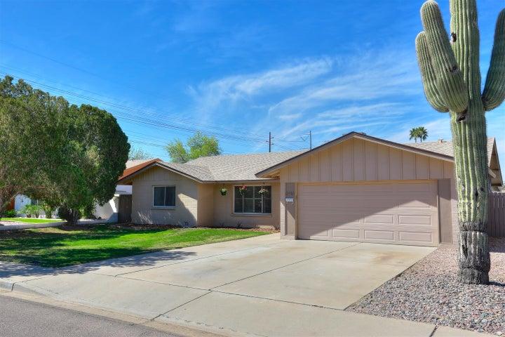 6910 S LAKESHORE Drive, Tempe, AZ 85283