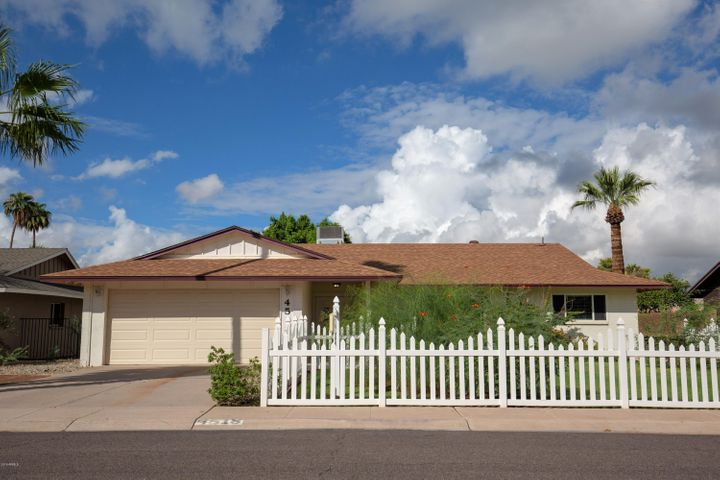 4518 S WILLOW Drive, Tempe, AZ 85282