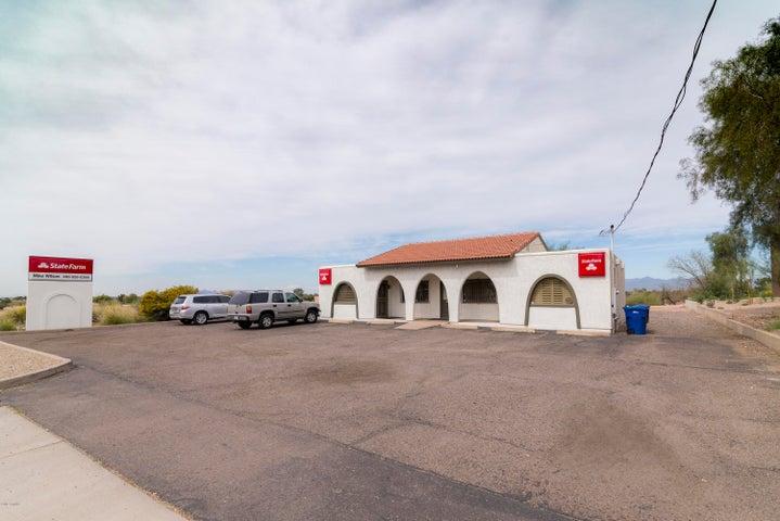 1046 E MCKELLIPS Road, Mesa, AZ 85203