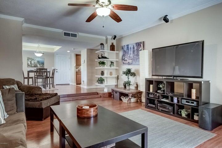 3330 W DANBURY Drive, E101, Phoenix, AZ 85053