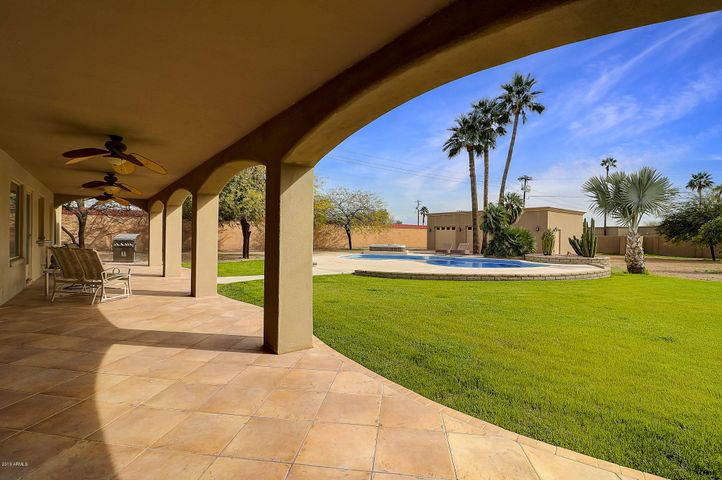8735 E JOSHUA TREE Lane, Scottsdale, AZ 85250