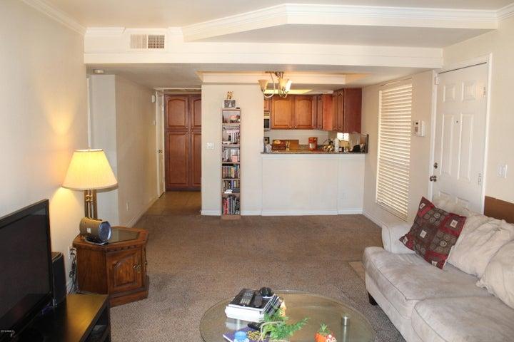 3405 W DANBURY Drive, D214, Phoenix, AZ 85053