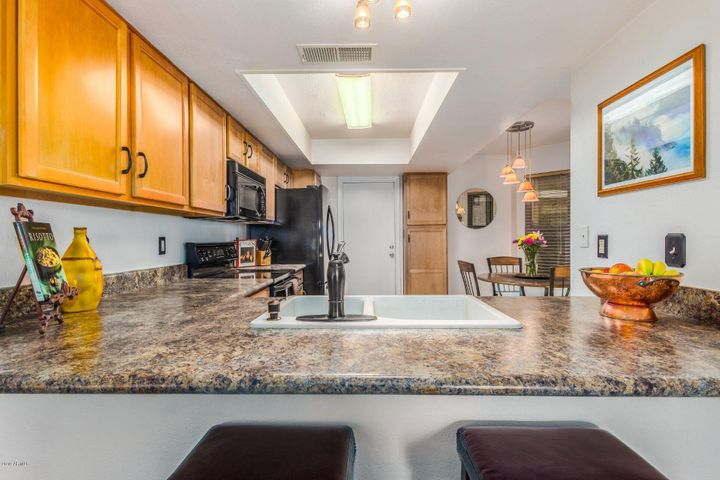 895 W BOXELDER Place, Chandler, AZ 85225