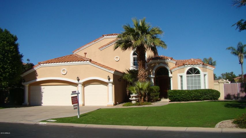 1518 E TREASURE COVE Drive, Gilbert, AZ 85234