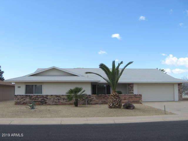 MOVE-IN READY~NEUTRAL TILE & CARPET~SCREENED -IN PATIO & OPEN PATIO AREA