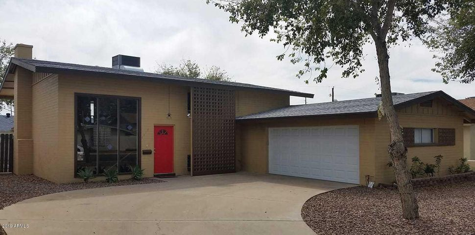Mid Century Home close to downtown Glendale!