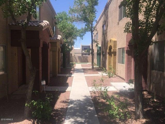 2830 E TRACY Lane, 2, Phoenix, AZ 85032