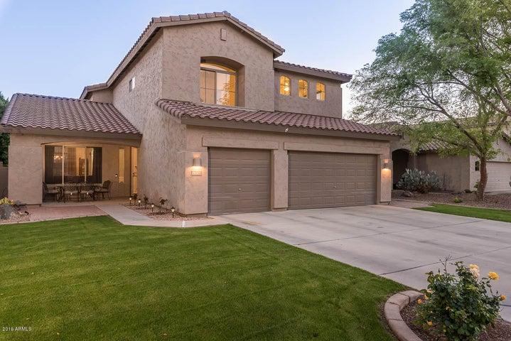 1721 E BRUCE Avenue, Gilbert, AZ 85234