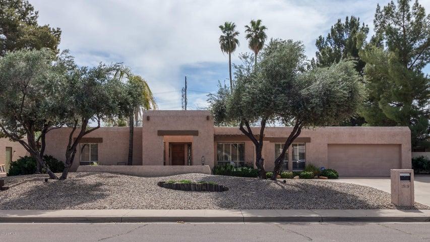 1919 E REDFIELD Road, Tempe, AZ 85283