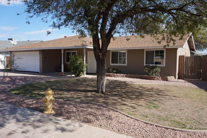 4/Bed, 2/Bath home in a very quiet neighborhood that is close to freeways, airport & shopping.