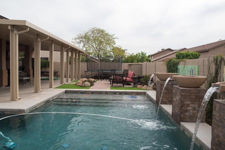 6221 W Julie Drive, Glendale, AZ 85308