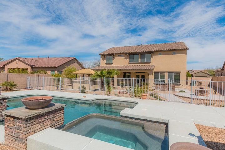 18185 W EAST WIND Avenue, Goodyear, AZ 85338