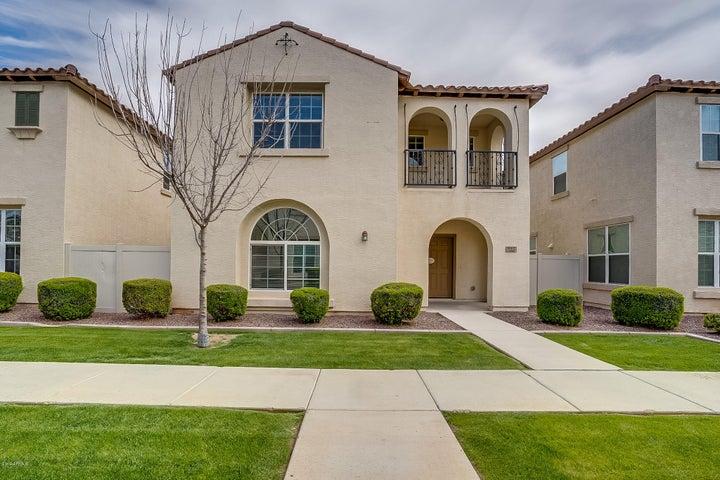 952 S ALMIRA Avenue, Gilbert, AZ 85296